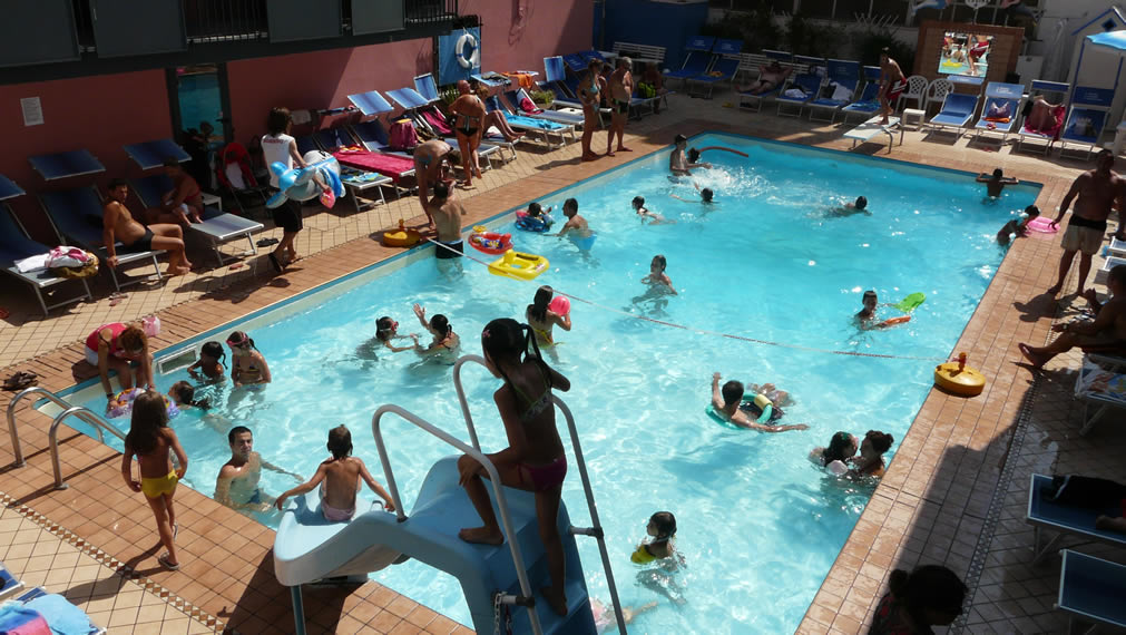 Pour Vos Vacances Sur La Côte Adriatique, Le Village à La Mer Pour Familles  Et Enfants Est Rimini Vacanze. Apprenons à Mieux Nous Connaître.